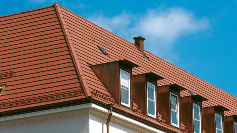 Dach mit DOMINO naturrot