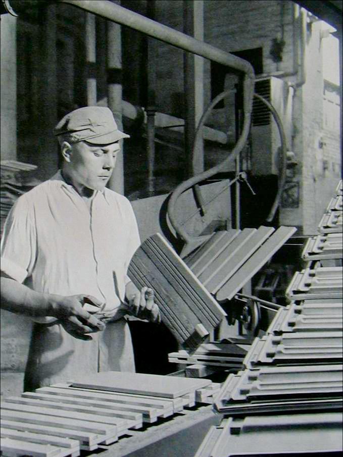 CREATON Historie - Dachziegel Qualitätsprüfung