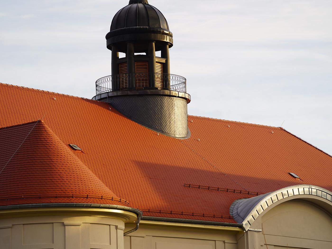 Gesamtansicht des fertigen Daches (Fotos: Horn Bedachungen GmbH & Co. KG)